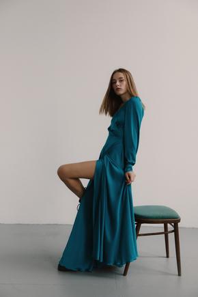 Бірюзове плаття підлогу на запах з шовку з довгим рукавом в прокат и oренду в Киiвi. Фото 2