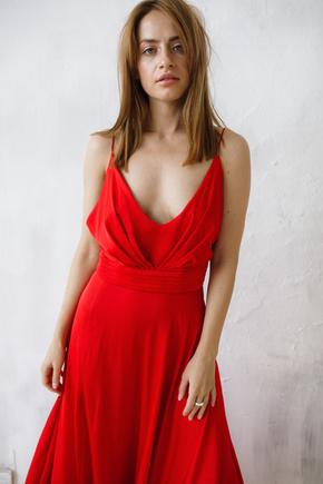 Червоне шовкове плаття в підлогу з розрізом в прокат и oренду в Киiвi. Фото 1