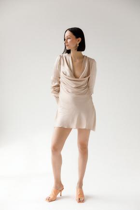Шелковое платье мини с длинным рукавом цвета шампанского в прокат и аренду в Киеве. Фото 2