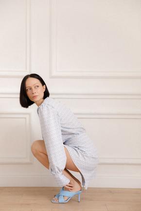 Сукня міні блакитного кольору з принтом і кистями в прокат и oренду в Киiвi. Фото 2