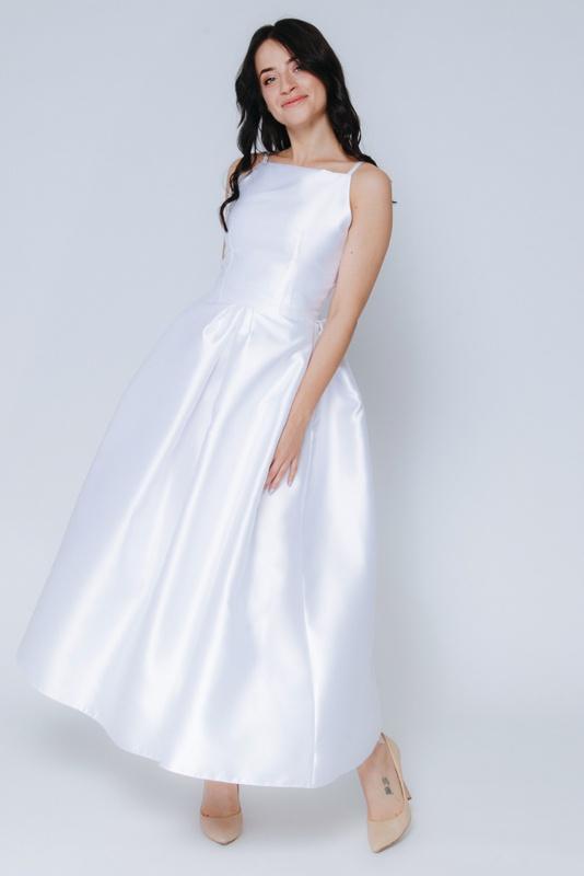 Белое платье миди с пышной юбкой и открытыми плечами в прокат и аренду в Киеве, Одессе, Харькове. Фото 4